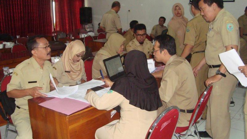 pelaksanaan evaluasi dan validasi